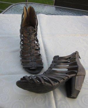 Sandaletten, Pumps Gr. 40  Taupe - Ferse mit Reißverschluss super toll - neuwertig