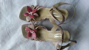 Sandaletten-Rosa-38 mit Blüte