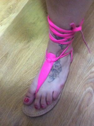 High-Heeled Toe-Post Sandals pink leather