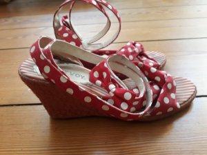 Hoyvoy High Heel Sandal red-white