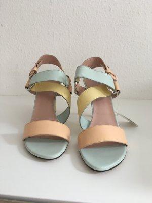 Sandaletten von Stuart Weitzmann Gr. 39