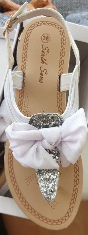 Sandaletten Zehentrenner Weiß Silber Keilabsatz