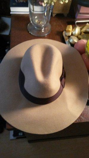 Sandbrauner Hut von H&M