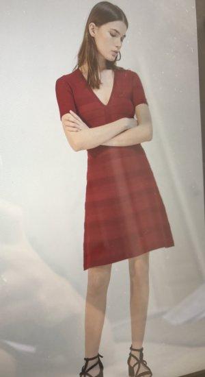 Sandro Kleid ungetragen in Bordeaux rot