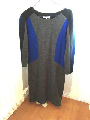 Sandro Mini-Kleid aus 50 Prozent Wolle