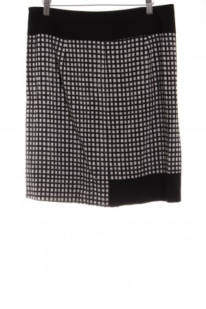 Sandwich Circle Skirt abstract pattern casual look