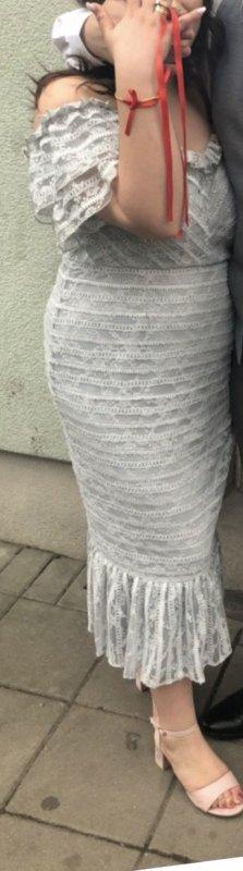 Sanftgraues Kleid