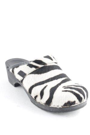 Sanita Clog Sandalen schwarz-weiß Animalmuster extravaganter Stil