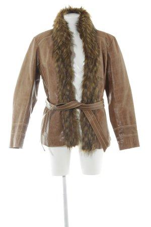 Sarah Kern Lederjacke braun Street-Fashion-Look