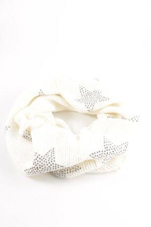 Sarah Kern Tubesjaal wit straat-mode uitstraling
