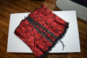 Corsage black-red