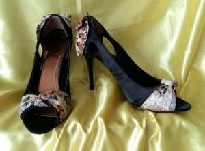 Peep Toe Pumps black-gold-colored