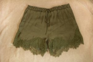 Satin-Shorts von H&M in khaki