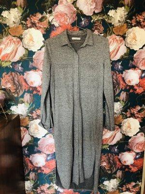 Scandi-Style: Langes Hemdblusenkleid von Minimum