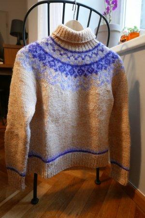 Scandinavian Pullover