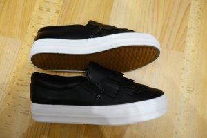 Scandinavian Style Fringe Loafer Halbschuhe Gr. 39 schwarz weiß clean chic