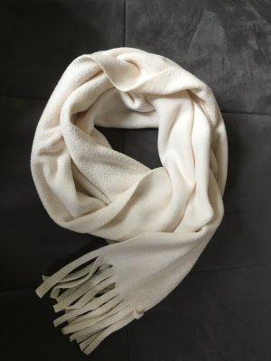 Schal aus Fleece in wollweiß mit Fransen