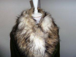 Schal aus Pelz imitat