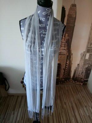 Bufanda de flecos gris claro