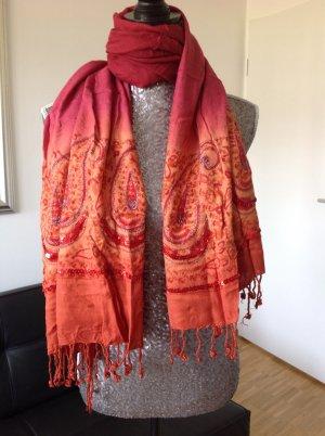 Schal im orientalischen Look