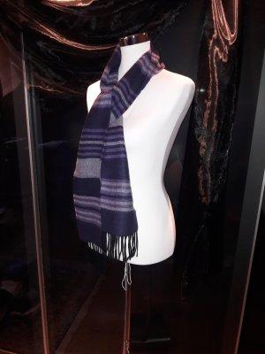 Schal in Lilatönen