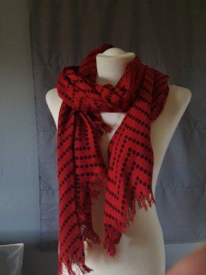 Schal in schönem Muster