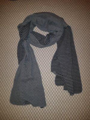 Schal in Übergröße