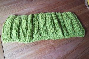 Schal, Loop in Apfelgrün mit Wolle von Lana Grossa