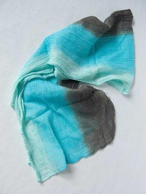 Schal mit blauem Farbverlauf von Yvonne Catterfeld