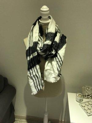 Schal mit Schwarz-Weiß-Muster