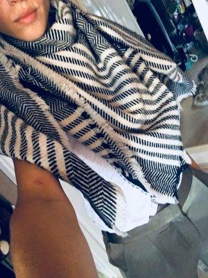 Schal pieces