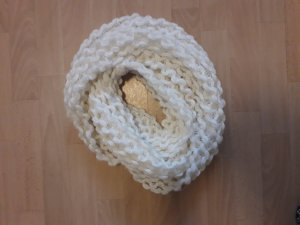 Knitted Scarf white-natural white