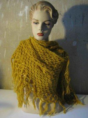 Schal/Tuch Grobstrick in senfgelb, ein Must-have für den Winter