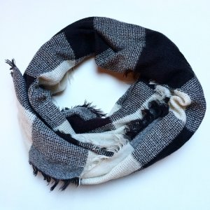 Schal | Tuch | schwarz | weiß | Herbst | Winter