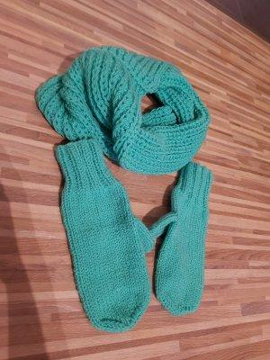 Schal und Handschuhe Set
