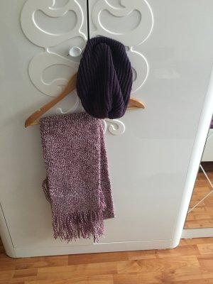 Schal und Mütze in Lila