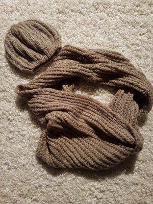 Schal und Mütze, Khaki