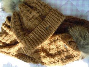 Schal und Mütze mit Echtkaninchenfellbesatz von Barts