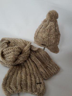 Schal und Mütze von Seeberger