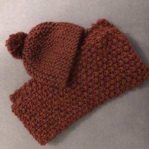 Schal und passende Mütze