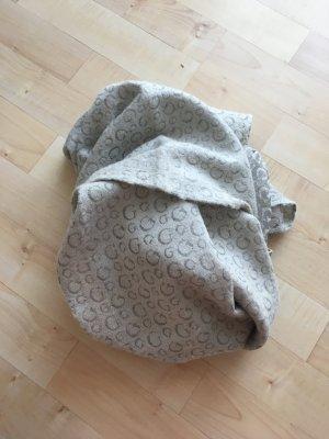 Guess Sciarpa di lana grigio chiaro-argento Lana