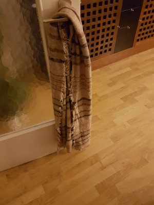 Schal von Zara gestreift in verschiedenen braun Tönen