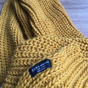 Schal von Zara in Gelb