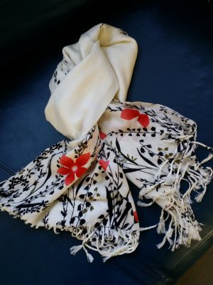 Schal weiß mit Blumen