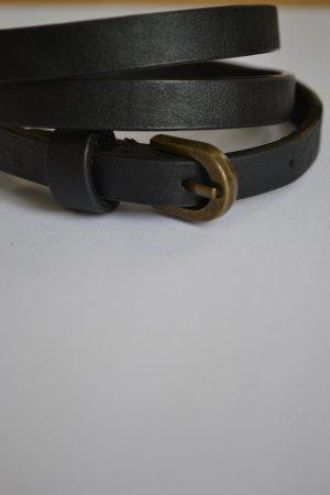 Schamaler schwarzer Gürtel mit bronzefarbener Schnalle Größe S 34/36