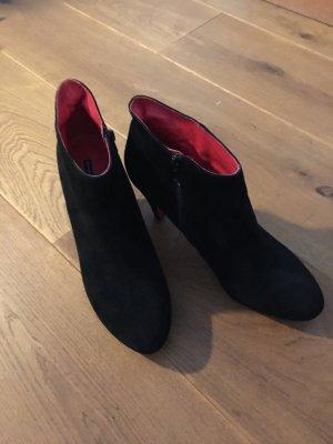 Scharze Wildleder Ancle-Boots