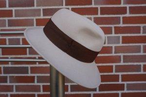 Cappello in feltro bianco sporco