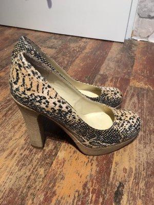 Schicke ausgeh Schuhe in Schlangenoptik