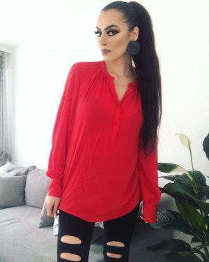 schicke basic bluse in strahlendem rot