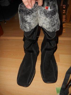 Schicke, bequeme und warme Rieker Lederstiefel schwarz Neu